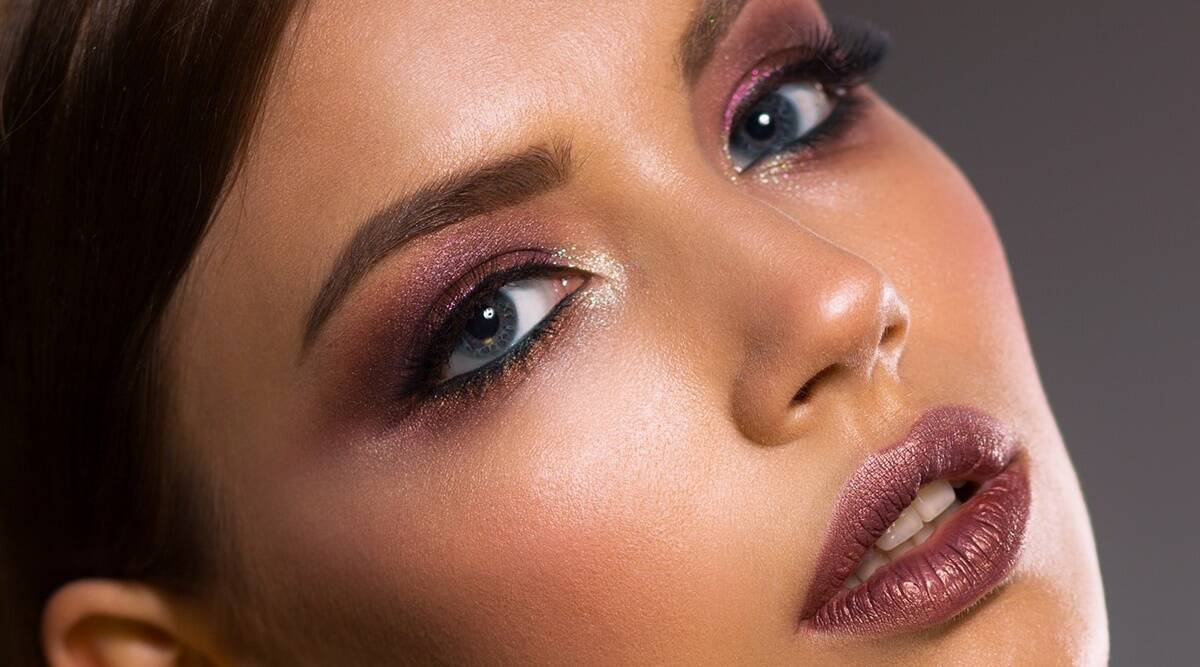 woman 3096664 1280 Happy Diwali 2020: Use these five products to get festive makeup look in five minutes