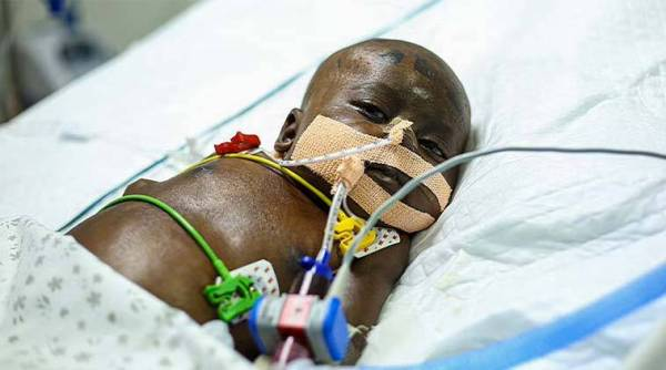 2 21 With all organs failed, this innocent 8 months old baby requires all your support to live