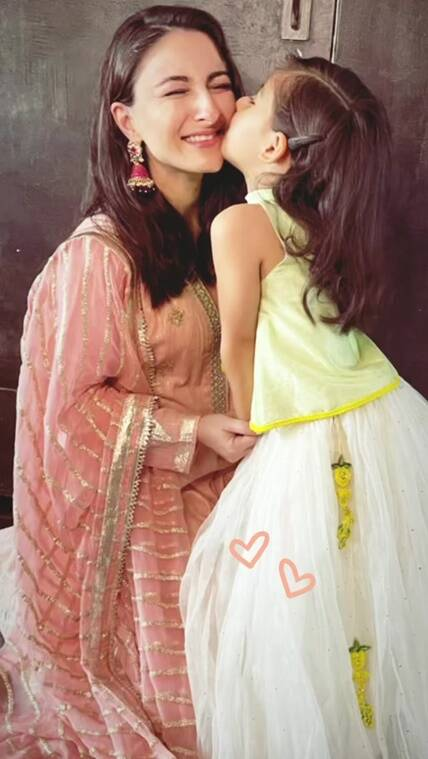 soha with daughter