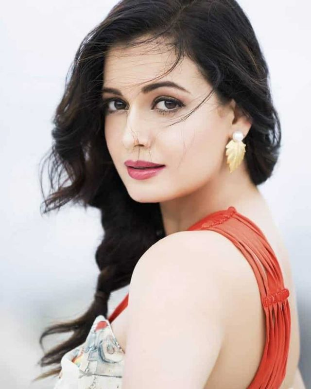 40+ Dia Mirza Hot And Sexy Images And Wallpapers - IndiaTelugu.Com