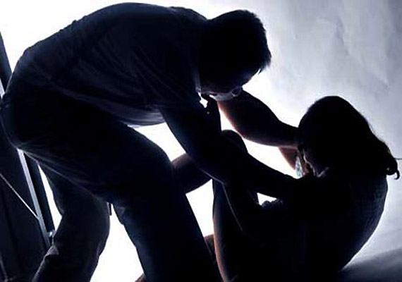 Delhi police constable suspended for attempt to rape