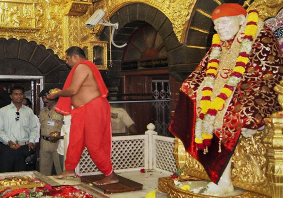 HC asks Maharashtra to set up new panel for Shirdi trust