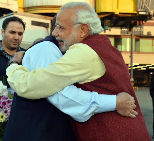PM Modi to meet Nawaz Sharif in Lahore on way back from ...
