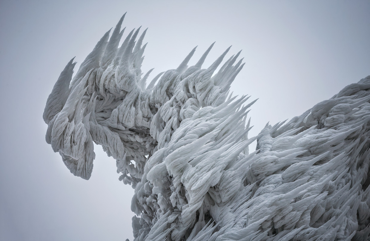 ice-spikes-slovenia-2