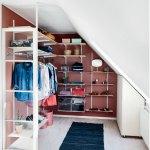 Walk In Closet Sadan Laver Du En Garderobe Med Skra Vaegge Boligmagasinet Dk