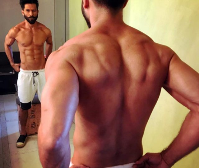 Shahid Kapoor Is Winking And Stealing Hearts In This Super Hot Photo
