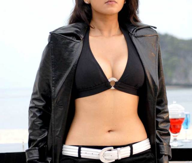 Anushka Shetty Slays In A Black Bikini