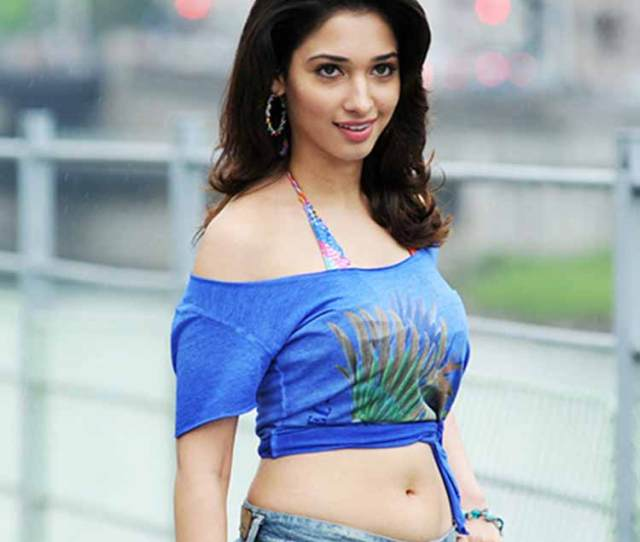 Hot Tamannaah Bhatia Looks Stunning Here