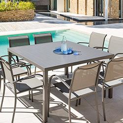 table de jardin ronde carree ou