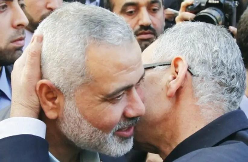 Hamas military commanders invited to Cairo for prisoner swap talks