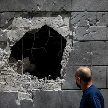 Homes in southern Israel sustain direct hits as rockets rain down