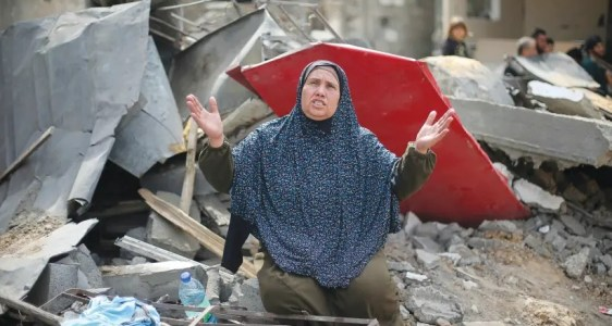 Gazans outraged after UNRWA director says IDF strikes were 'precise'