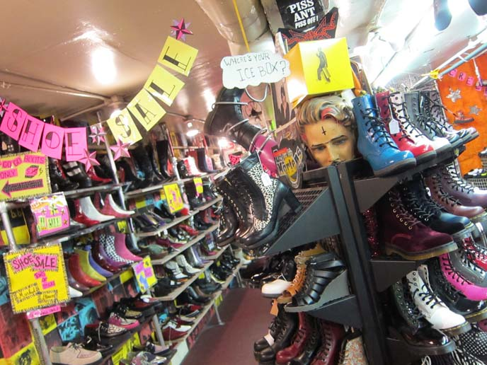 TRASH AND VAUDEVILLE: NYC GOTH PUNK CLOTHING SHOP, ONLINE ...