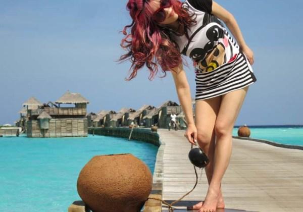 top female travel blogger, travel tv host, lacarmina blog