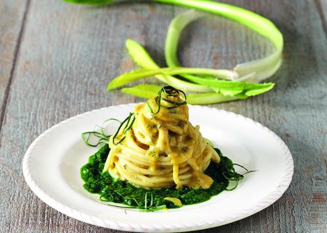 impiattare gli spaghetti