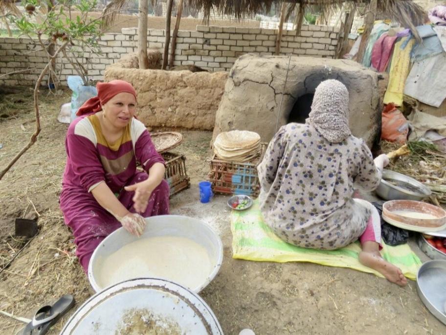 Pane fatto in campagna in Egitto.