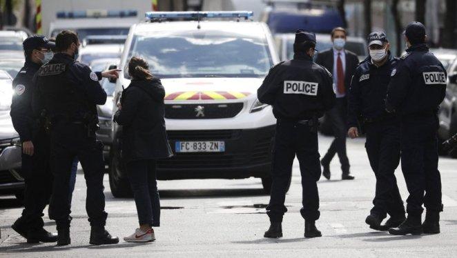 À Paris, un mort et un blessé par balles devant un hôpital, le tireur en fuite