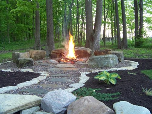 Bonfire Pits And Fire Rings: Traditional Designs