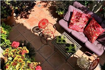 Mexican Garden Decor & Pottery - Landscaping Network on Mexican Backyard Decor id=67281