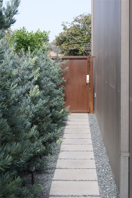Contemporary Landscape Project - Venice, CA - Photo ... on Side Yard Walkway Ideas  id=54280
