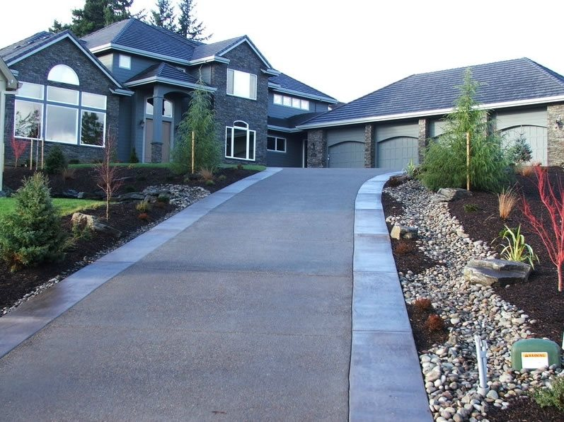 Driveway - Portland, OR - Photo Gallery - Landscaping Network on Uphill Backyard Landscaping Ideas id=77499
