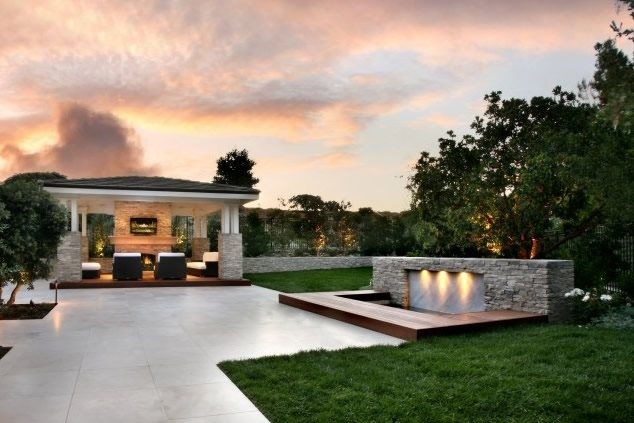 Modern Landscaping - Newport Beach, CA - Photo Gallery ... on Big Backyard Landscaping Ideas id=15956