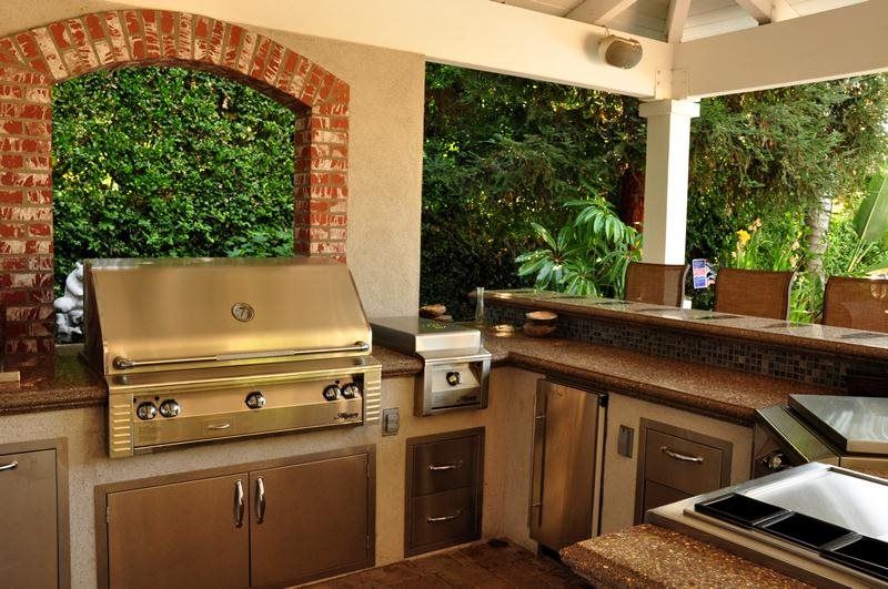 Outdoor Kitchen Layouts - Samples & Ideas - Landscaping ... on Backyard Kitchen Design id=61468