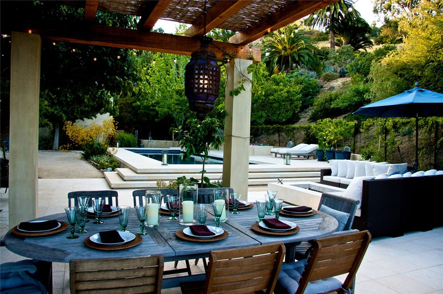 Landscapes by Day & Night - Landscaping Network on Backyard Dining Area Ideas id=91166