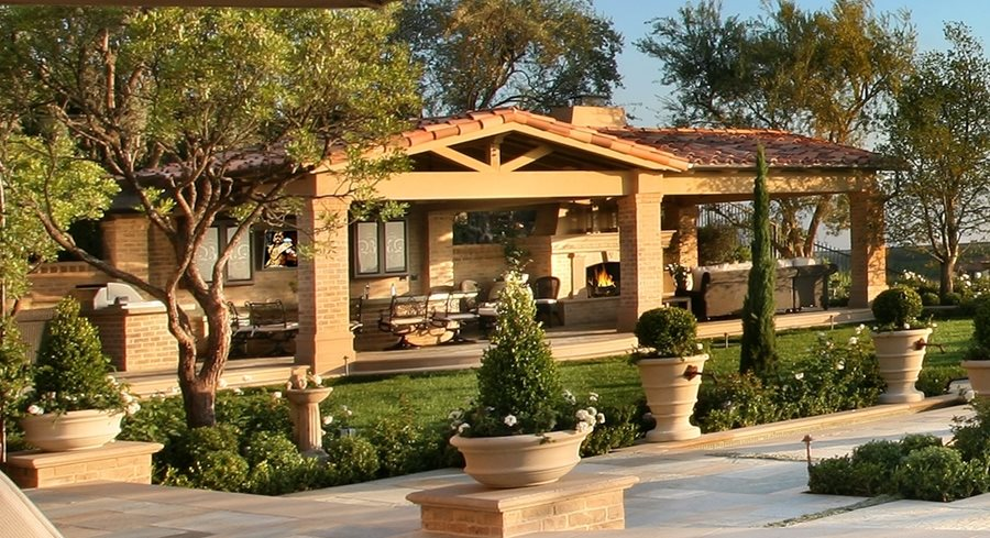 covered outdoor kitchen designs