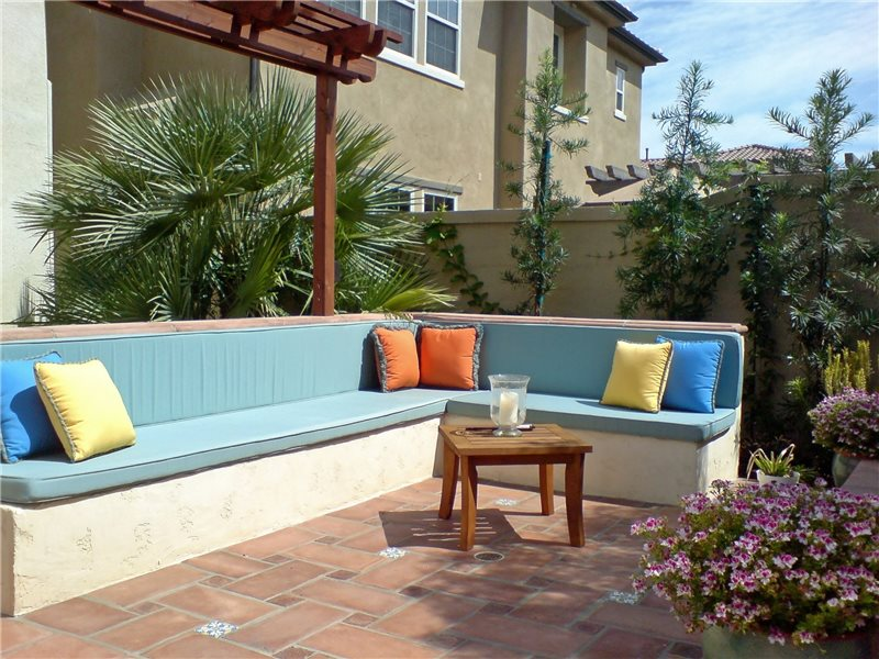 beautiful backyard makeover with