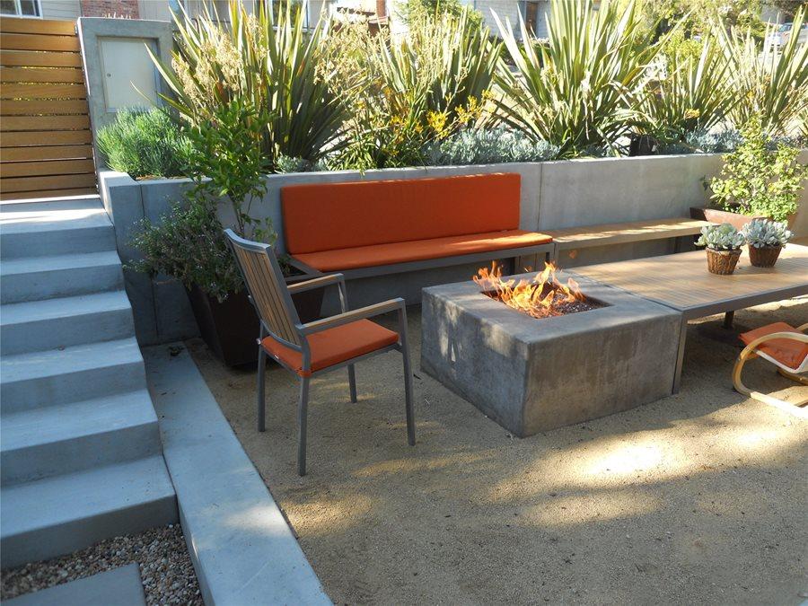 Built In Patio Seating - Landscaping Network on Low Maintenance:cyizg0Gje0G= Backyard Designs  id=57911