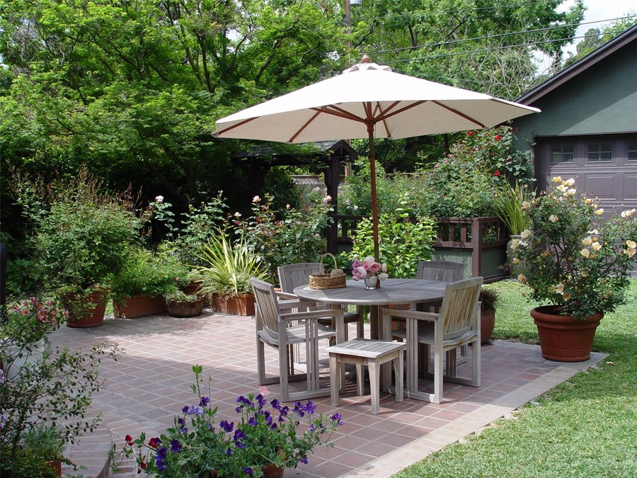 Patio Layout Ideas - Landscaping Network on Patio And Grass Garden Ideas id=63598