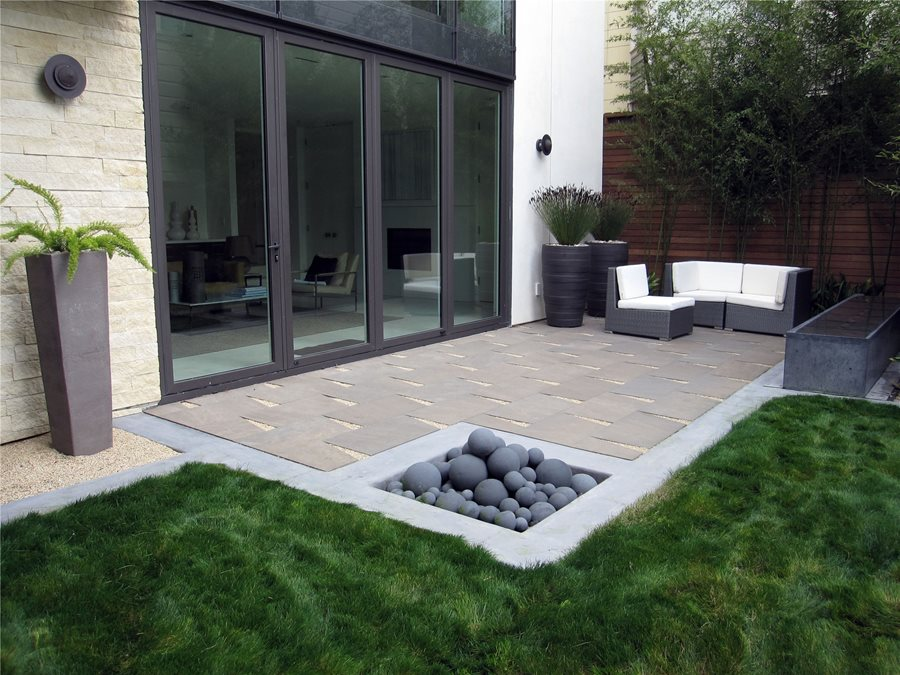 Small Patio Design - Landscaping Network on Patio And Grass Garden Ideas id=14259