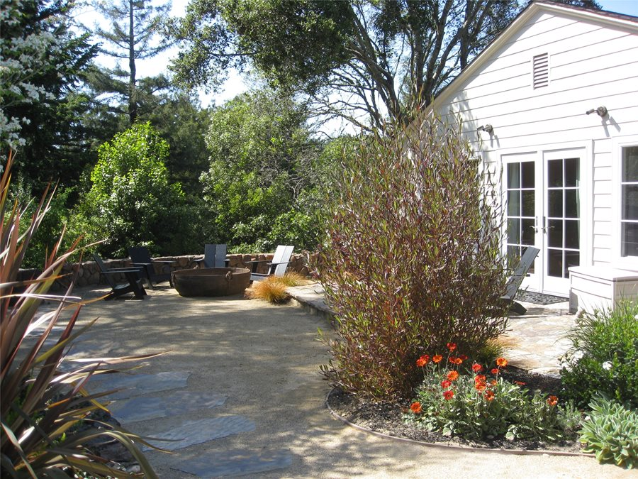 Low Maintenance Backyards - Landscaping Network on Low Maintenance Backyard  id=74290