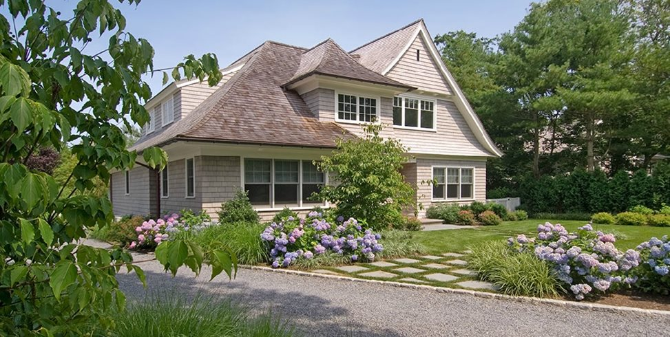Farmhouse Landscaping Dos & Don'ts - Landscaping Network