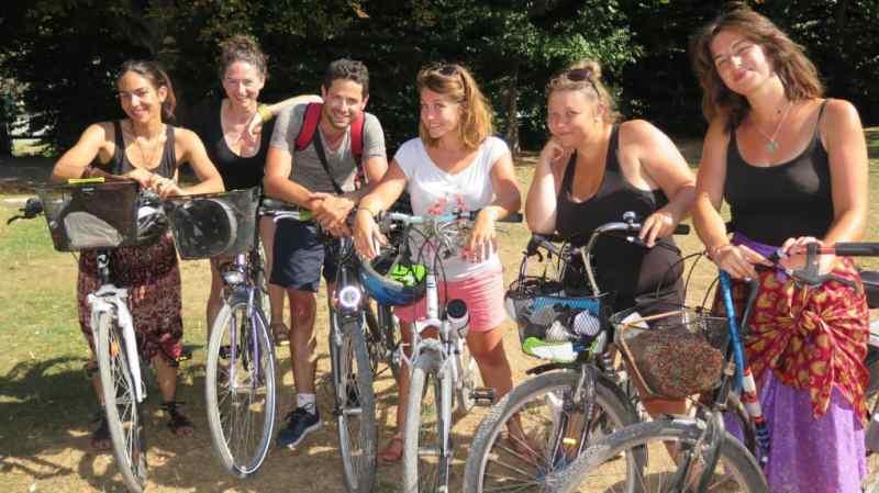 La clique Cycl'arts : Maëlle Quer-Riclet, Servane Briot, Grégory Charpenne, Flore Liaud, Sarah Liaud et Barbara Tobal.