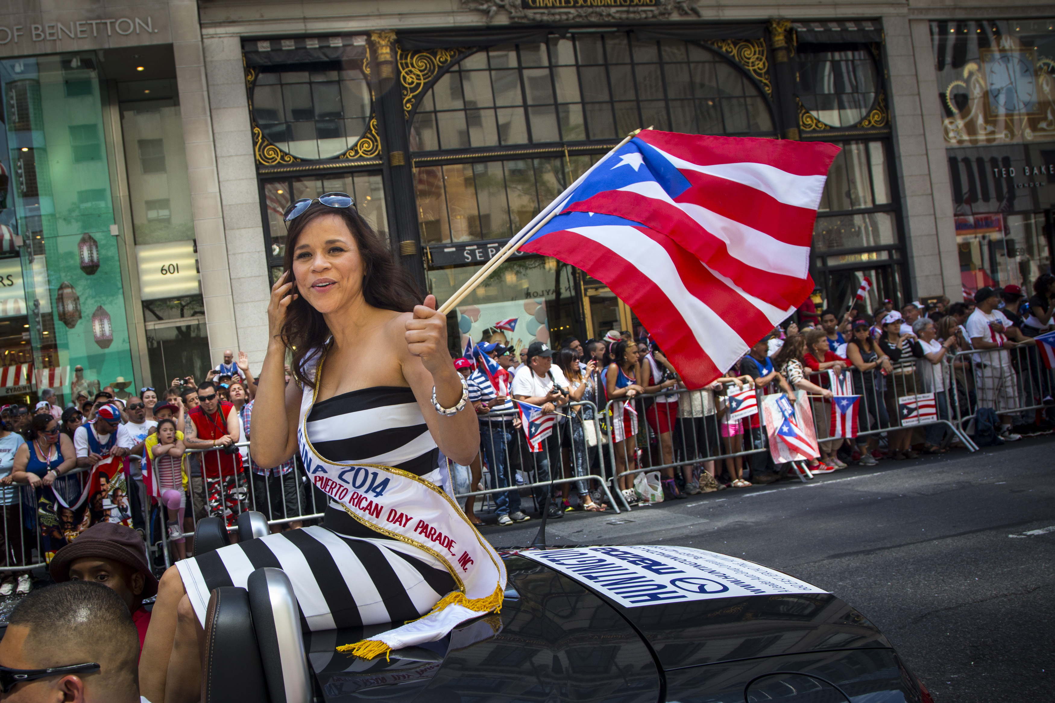 New York Puerto Rican Day Parade See Ren 233 Residente P 233 Rez Luis Fonsi Lauren V 233 Lez And More