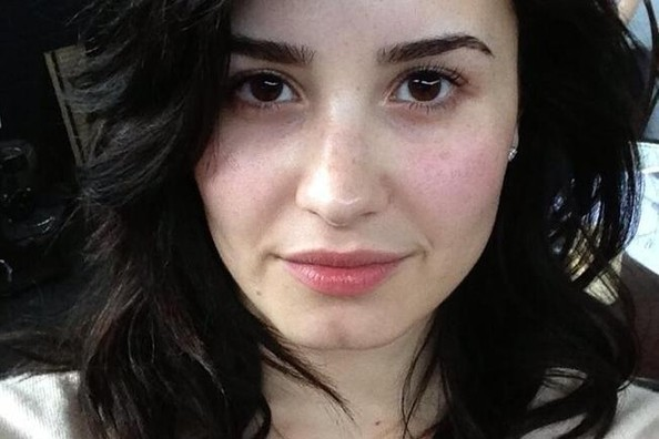 10 Times Demi Lovatos Freckles Were The Beauty Spots We