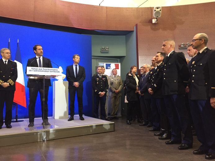 De nombreux représentants des forces de l'ordre et de sécurité en préfecture.