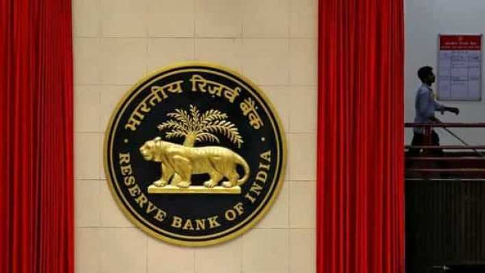 rbi restricts american express and diners cards from on-boarding new credit card customers