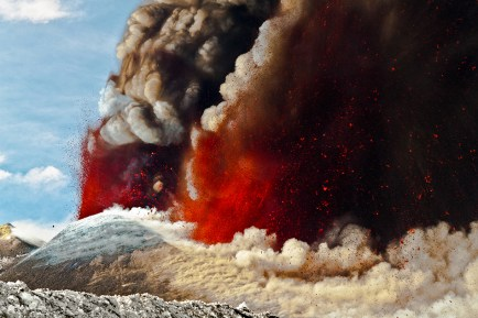 La fase culminante del parossismo eruttivo del 12 Aprile 2012.