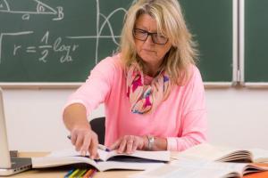 docente in classe
