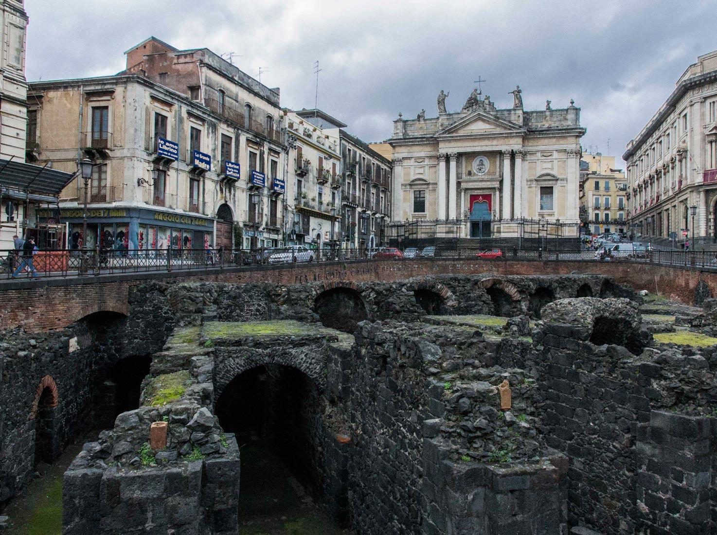 Imprese Di Costruzioni Catania anfiteatro romano di catania: la leggenda della scolaresca
