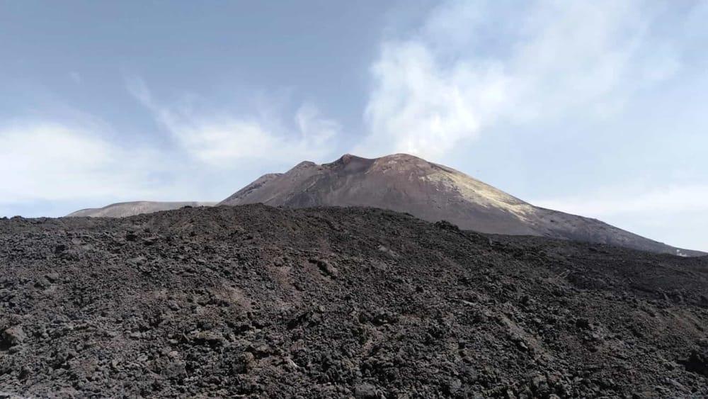 Etna, piccole esplosioni interessano il Nuovo Cratere di Sud-Est