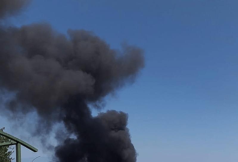Fumo nero da un incendio