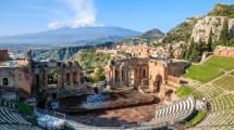 Teatro antico di Taormina ed Etna