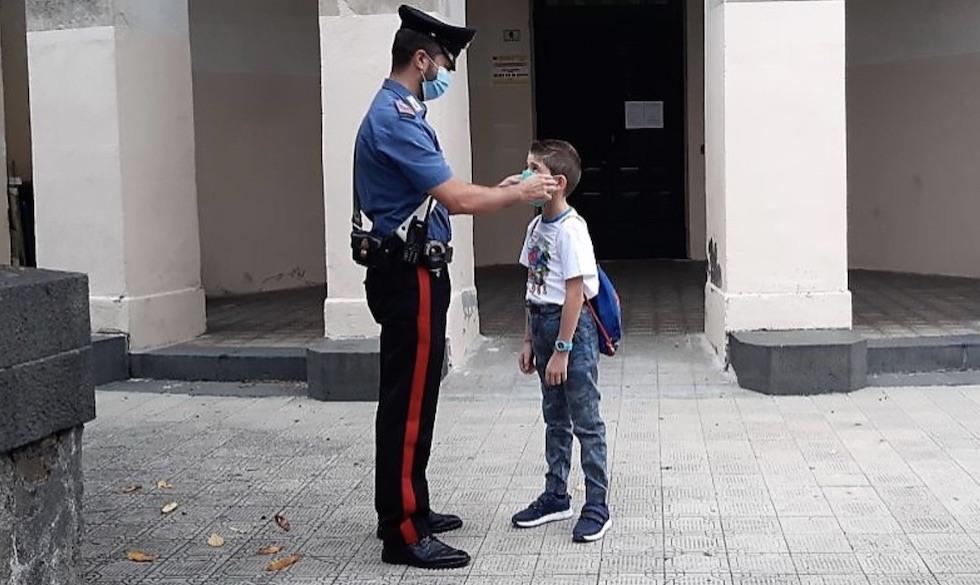 Controlli Carabinieri scuole a Catania