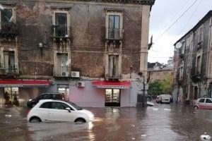 piazza carlo alberto catania maltempo