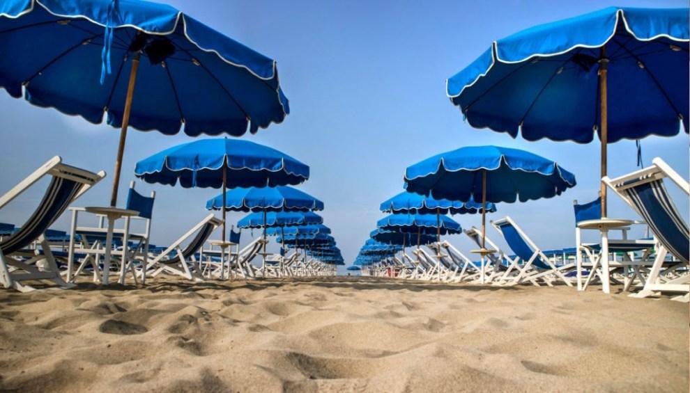 Ombrelloni in spiaggia