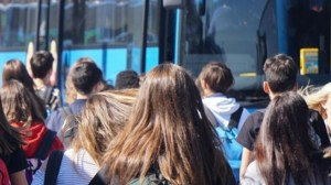 studenti su bus